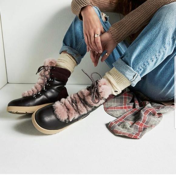 1c83abc776c ❣UGG Viki Waterproof Boots Port❣